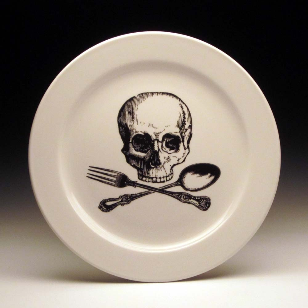 Skull And Cross Utensils 9 Inch Dinner Plate