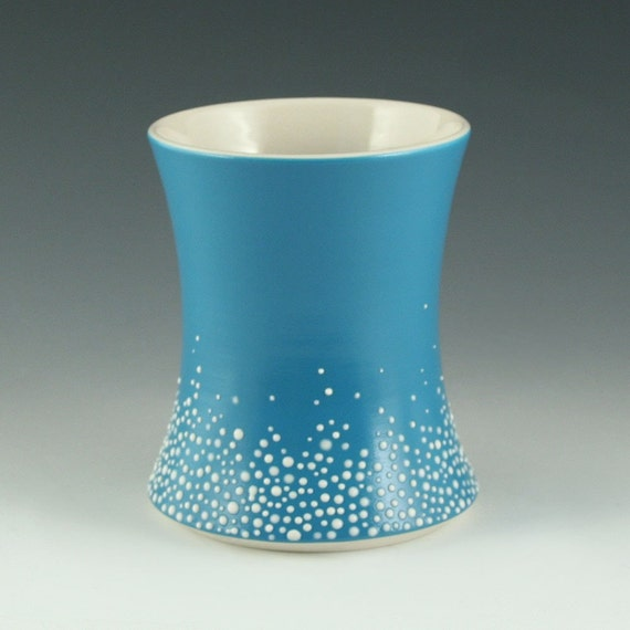 Pebble Cup in Satin Blue