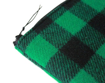 Large Pouch, Electronic Accessory Pouch Wireless Apple Keyboard Case Wool Handmade Sleeve Zipper Padded Cover - Green Buffalo Plaid