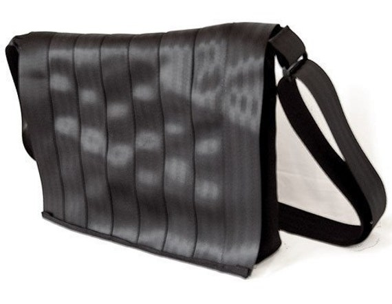 Seatbelt Messenger Bag - MEDIUM-sized Unisex Messenger - Upcycled from Seatbelts