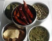 medium thai spice kit with recipes. savor the flavors of thailand.