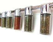 Totemspice spice storage rack. Spice blends from across the globe. An excellent housewarming or wedding gift.