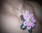 Flower Bead Pendant Necklace