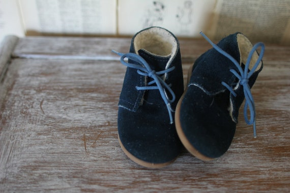 Vintage Blue Suede Baby Shoes - Retro Lace Up Baby Booties - Baby Boy Sneakers - Cotton Fur Lined Kids Clothing Clothes Size 5 - Shower Gift