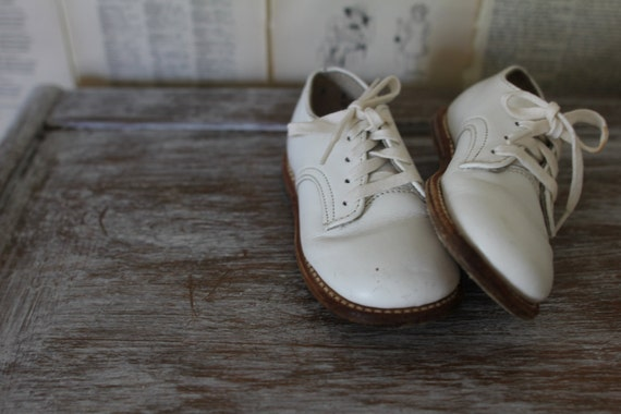Vintage White Baby Shoes - Retro Leather Kids Shoes - Lace Up Dressy Shoes - Child Clothing - Childrens Clothes - Baby Shower Gift