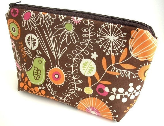 Retro Cosmetic Padded Bag Large Flat bottom zipper pouch Camera Case ECO Friendly Padded  - Retro Thyme in Brown