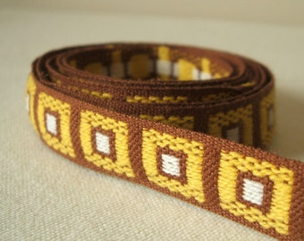 vintage cubes trim in lemon and cocoa 3 yards