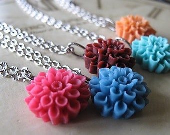 Bridrsmaid Gifts, Bridesmaid Jewelry Sets, Bridal Shower Favors, Chrysanthemum  Flower Necklace,Set Of FIVE,, You Choose Your  Colors,