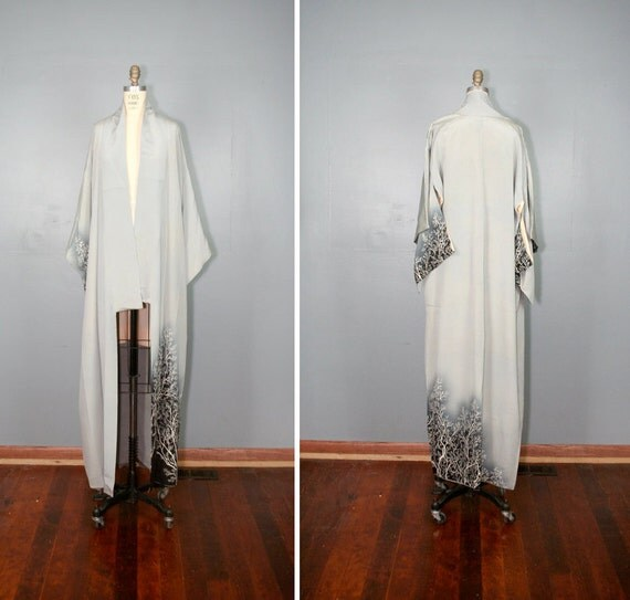 vintage . kimono . WINTER FROST . grey . silk . antique . robe