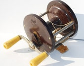 Vintage Fishing Reel Tackle Penn No. 77 Bakelite