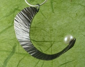 Leaf Pendant with Pearl