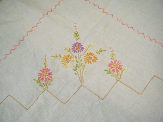 pretty little embroidered kitchen vintage tablecloth flowers