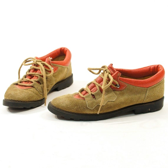SALE sz 6.5 Low Top Hiking Boot Style Lace Up Flats