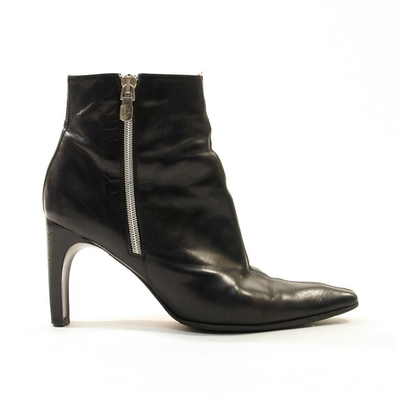 SALE 90s Zip Up Beatle / Ankle Boots in Black Leather