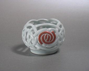 Glasgow Rose Celtic Knotwork Candle Globe