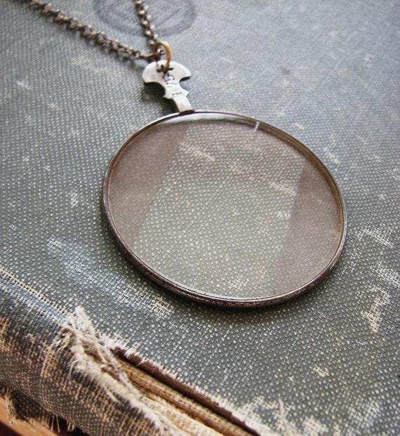 frosty MYSTERIEUX Necklace.....Vintage Optic Lens