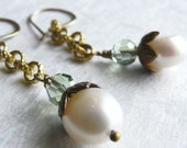 Sabine - Vintage Brass Chain and Pearl Earrings