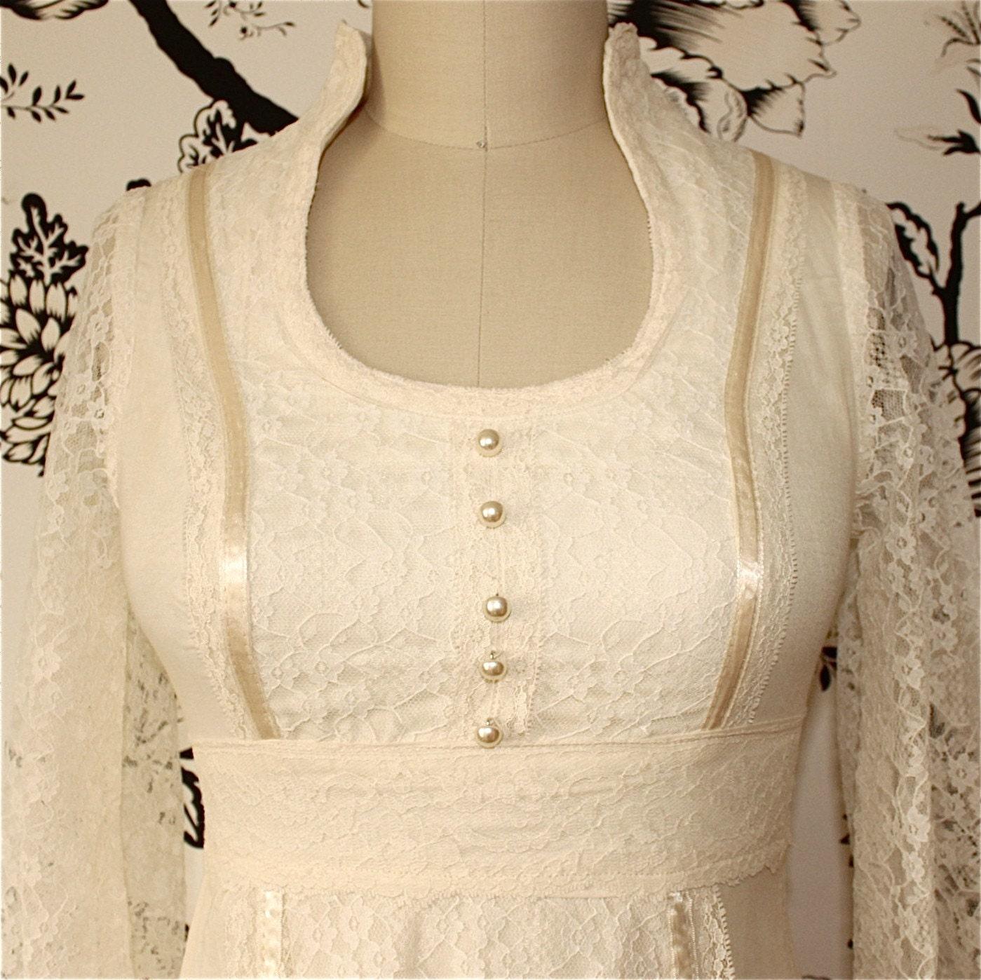 CREAM cotton LACE vintage LONG SLEEVE wedding DRESS