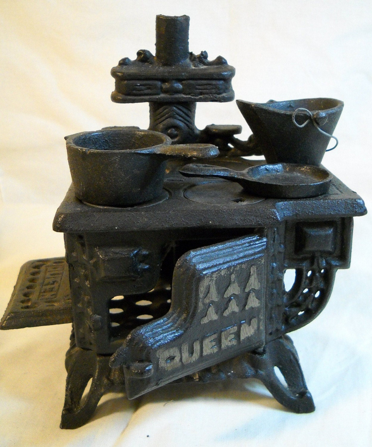 Miniature Queen Cast Iron Toy Stove W Accessories