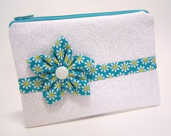 Retro Daisy Zip Pouch with Kanzashi Flower and Mirror
