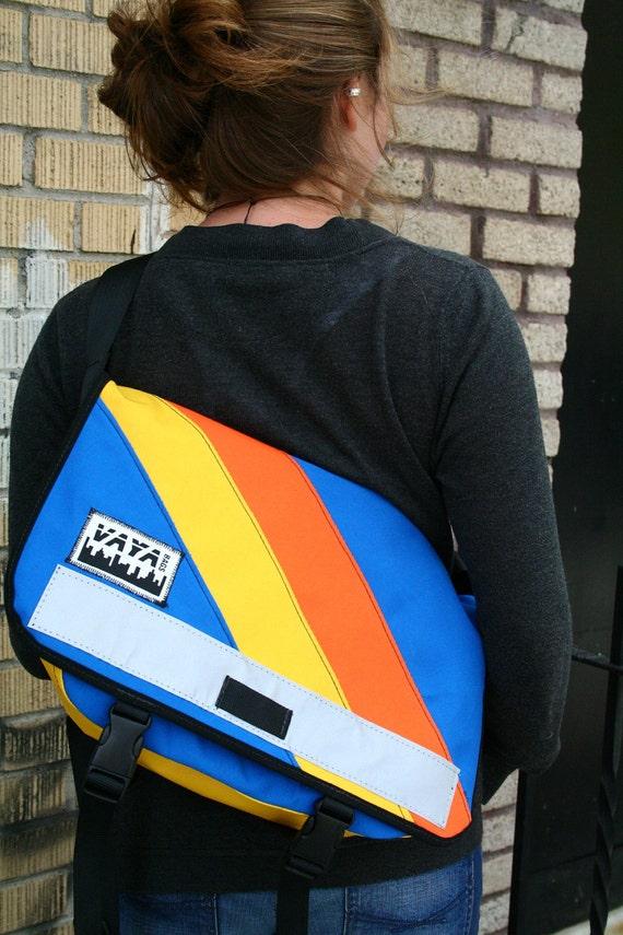 Petite Messenger Bag