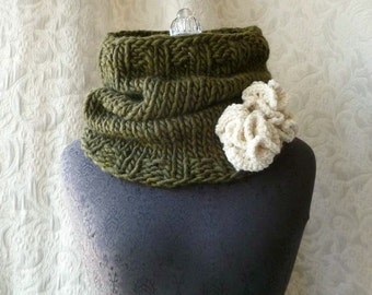 Urchin Cowl - Hand Knit - Chunky Cowl - Loden Green and Cream - Ready to Ship