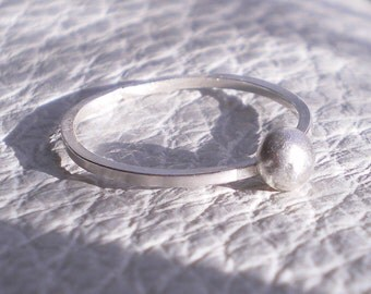 Pebble Ring - Silver Ball ring - Sterling Silver - Size 7 - mini silver ring, silver stacking ring