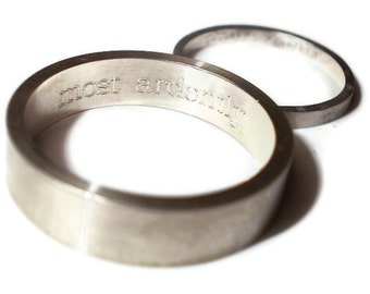Engraved Simple wedding rings in silver - set of two - sterling silver bands 2mm and 5 mm - custom made with hand engraving