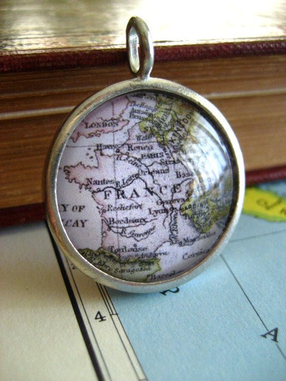 World Adventure Pendant France
