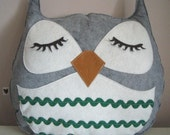Chewy the Owl Cute Vintage Inspired Grey Wool Felt Decorative Doll Pillow