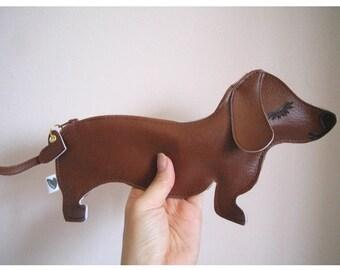 BBQ the Dachshund Dog Cute Vintage Inspired Brown Vinyl Coin Zipper Purse