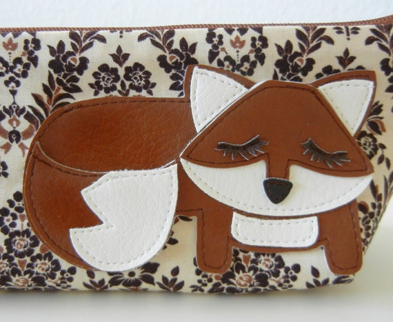 Grayson the Fox Cream Tan Black Vintage Inspired Cotton Canvas Floral Case with Vinyl Applique