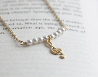 Simple Gold Music Note Necklace. Gift for Piano Teacher. Thanksgiving. Bridesmaid Gift.