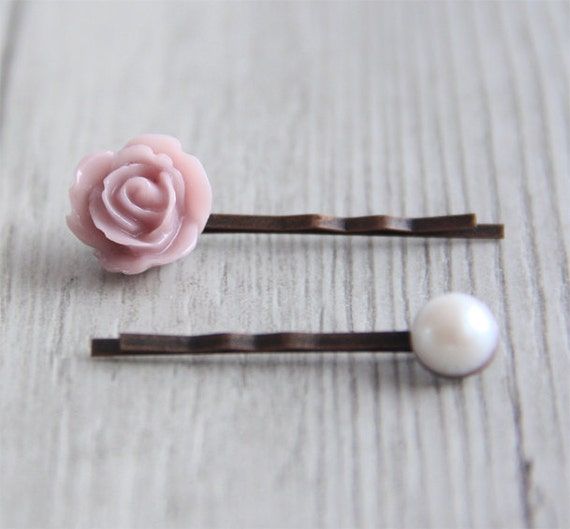 Beautiful Vintage Style Dusty Pink Rose Flower and Faux Pearl Bobby Pin Set. Hair Clip.Gift for Her