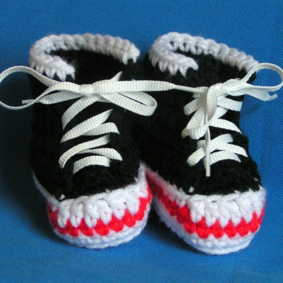 Black High Top Sneaker Booties Size 0-6 months