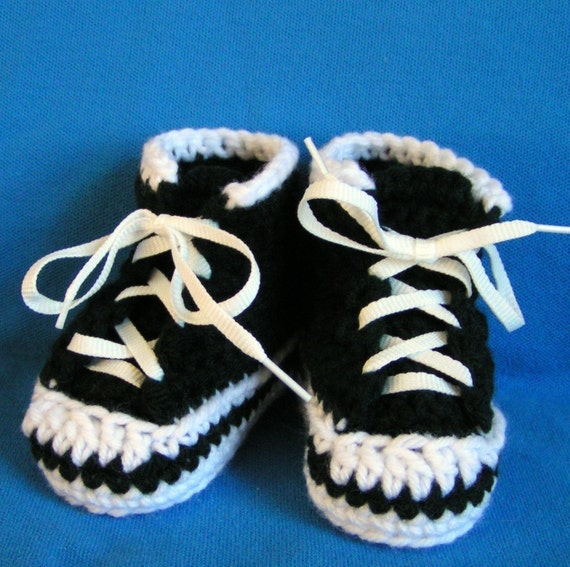 Baby Sneaker Booties  High tops in Black Size 6 to 9 months