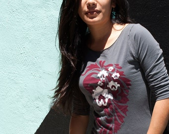 SALE - SMALL - Graphic tee for women, womans tops tshirts, silkscreen womens t-shirt, womens tees, gray 3/4 sleeve tshirt paisley lotus