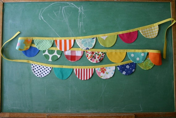 Colorful Scalloped Party Garland