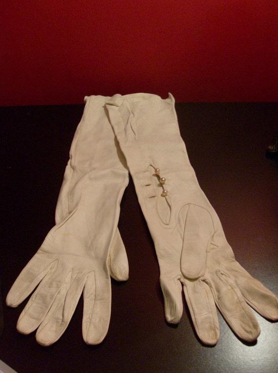 SALE Vintage Opera Gloves