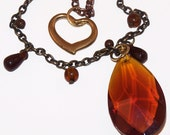 Natural Warmth Chain and Glass Vintage Charm Pendant Necklace