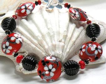 SCARLET VINES Handmade Lampwork Bead Bracelet