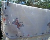 Vintage Table Cloth / Vintage Linens / Butterfly Table Cloth