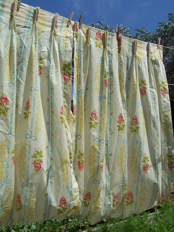Vintage Rose Curtains / 1980s Curtains Ribbons and Roses / Vintage PInch Pleat Curtains