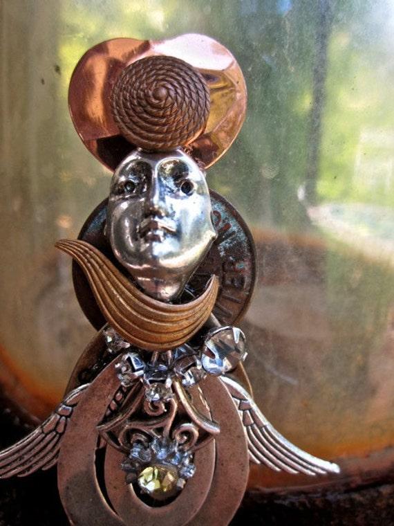 Steampunk brooch Lydia is flying again jewelry angel tateam