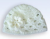 Preteen-Adult Crochet Beanie With Flower - white
