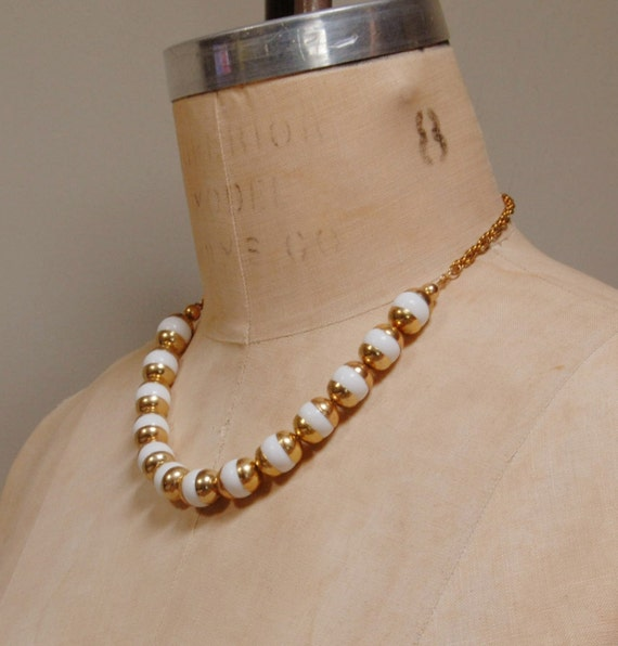 Vintage 60s White and Gold Necklace
