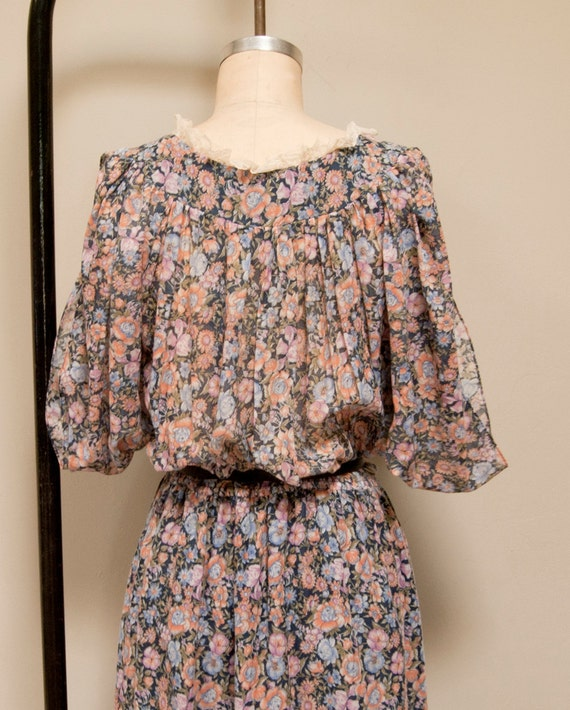 Vintage 70s Belted Peasant Dress with Floral Pattern