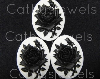 Unset Loose Cameos Set of Three Silhouette Rose Cameos 40x30