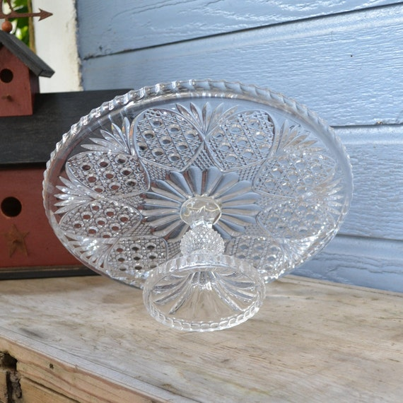 Clear Crystal Cake Stand with a Beautiful Design