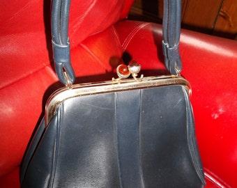 Vintage Mid Century  Pleather Handbag Lucite Kiss Clasp